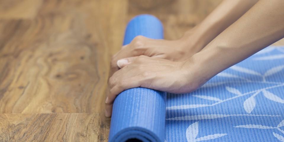 yoga_mat_rollout